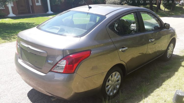 NISSAN VERSA FULL MT