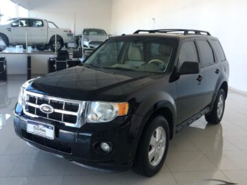 U$S 19.500 FORD ESCAPE XLT 4WD 2.5 AT